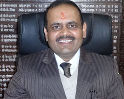 Vinod Kumar Suman, Chamoli DM , success story ias, success story, dm vinod kumar suman struggle, success stories success stories in hindi